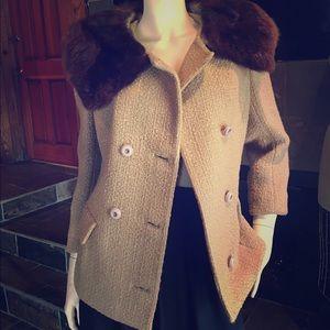 Vintage coat with fur collar