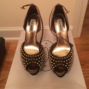 Steve Madden Shoes - Steve Madden Black studs