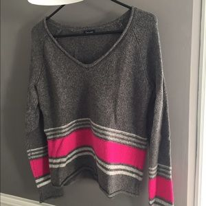 Adorable Splendid Sweater with Pink Stripe