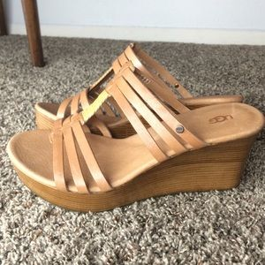 ugg mattie platform wedge