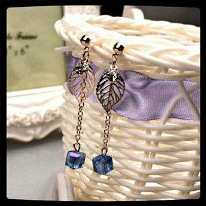 Jewelry - Fashion Crystal Drop Leaf Dangler Earrings