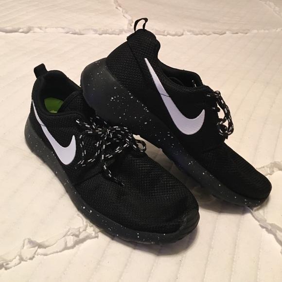 44e0e9aa9ba63 ... Nike Shoes - Nike Roshe Run  Nike Roshe run Oreo v.2 by CleanKickCustoms  on Etsy ...