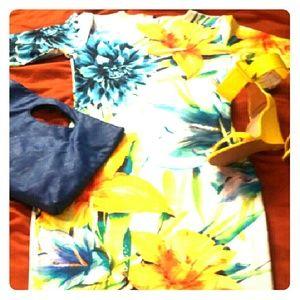 Dresses & Skirts - Body con quarter sleeve dress new