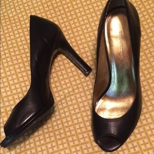 Banana Republic black peep toe heels! Size 7!!
