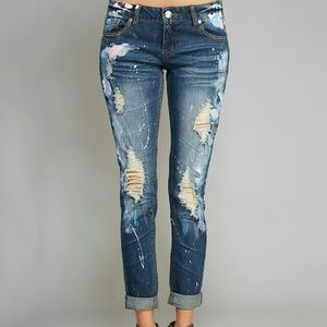 Cute roll up skinny jeans!(  3 fits 26/27 waist)