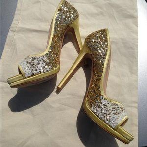 Oscar de la Renta Shoes - Oscar de la Renta Sequin pump