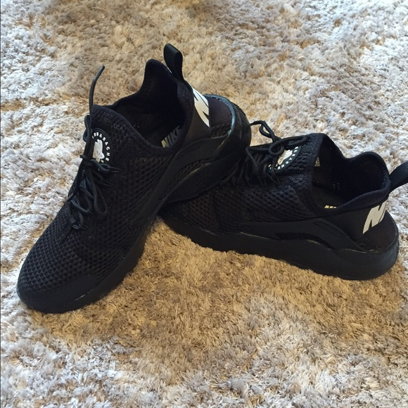 nike huarache ultra womens black