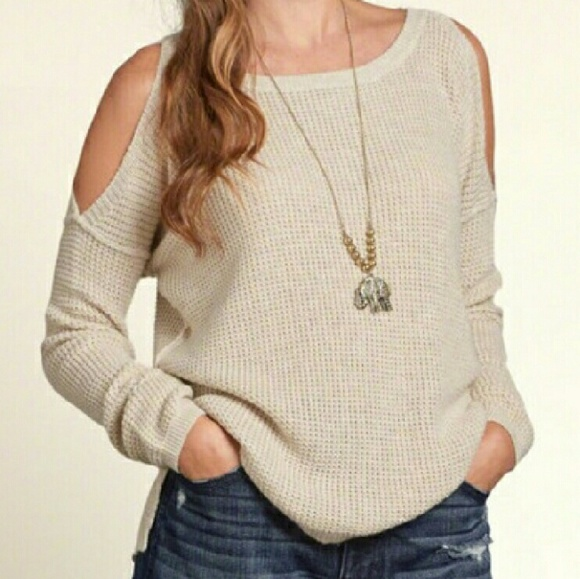 🔥Clearance🔥 HOLLISTER COLD SHOULDER SWEATER XS