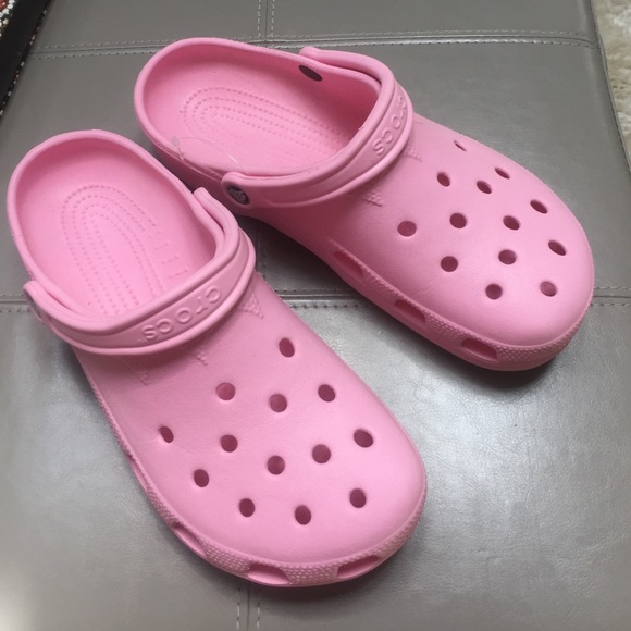 859054c1b36c crocs Shoes - Crocs classic original clogs in light pink