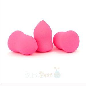 Mint Pear Beauty Other - Mint Pear Beauty makeup blending sponge-NWT!