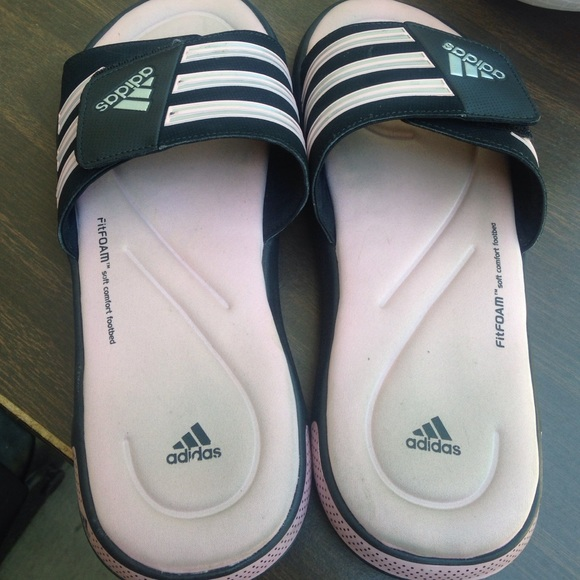 3e9f82393266be Adidas Shoes - Nearly new memory foam Adidas slides