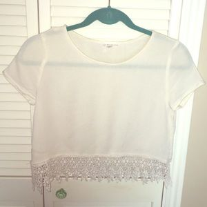 Urban Outfitters: Boho crop top
