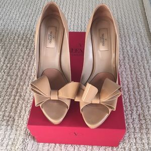 Valentino patent leather bow heels, worn once