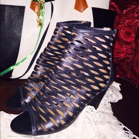 a930b5015e87 Jeffrey Campbell Shoes - Jeffrey Campbell size 9 black laser cut boots