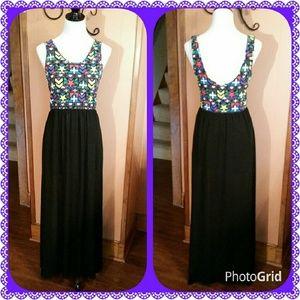 Dresses & Skirts - Colorful sleeveless maxi dress size large
