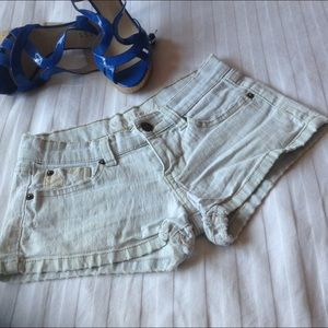 WET SAL Pants - WET SEAL DISTRESSED BOOTIE SHORTS S