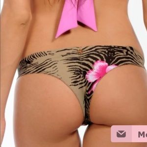PRICE DROPMaya bikini set