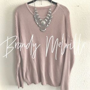 Brandy Melville / pink sweater