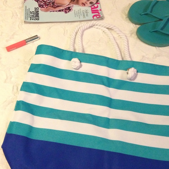 c6fc2f2bc3 Clinique Handbags - CLINIQUE Blue Stripe Beach Tote