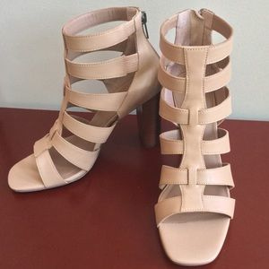 NIB Camel Caged Leather Block Heel Sandals