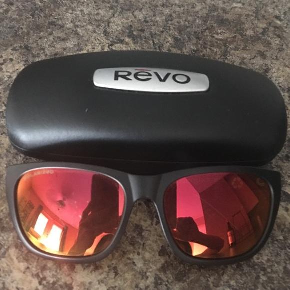 62776a2751 Authentic Polarized Revo Grand Sixties. M 57445490eaf030801a001008