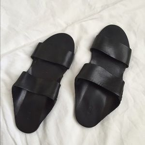 Urban Outfitters Leather Slide Sandal size 9