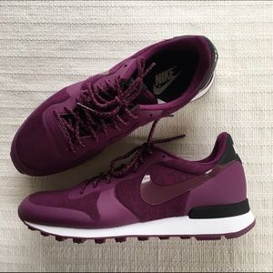 new arrival 0344f 1a4be Nike Shoes - Womens NIKE Internationalist Tech Fleece Pack