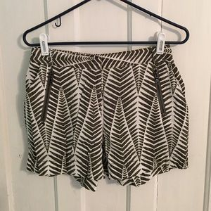 🛍 Kenneth Cole palm tree shorts size 4