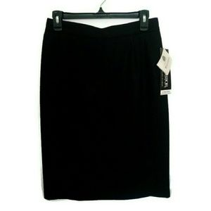 Sag Harbor Dresses & Skirts - Vintage black 100% wool skirt