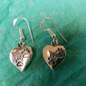 Jewelry - New paw print silver heart earrings
