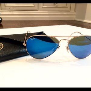 Blue reflector rayban sunglasses aviator style
