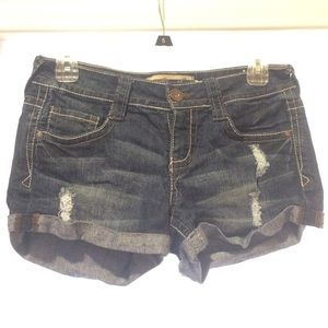 "Pocket Detailed, Cuffed 2"" Denim Shorts Size 5"