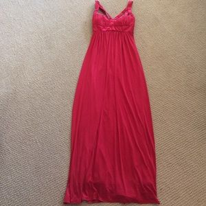 B smart white dress red