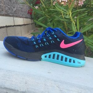 Nike Zoom Tennis Shoes