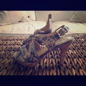 NEW⚡️Grey Heels