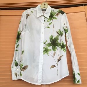 Additions by Chico's blouse/top