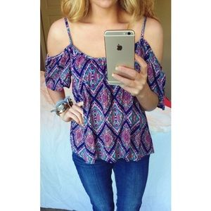 Off-the shoulder top! Great for going out!