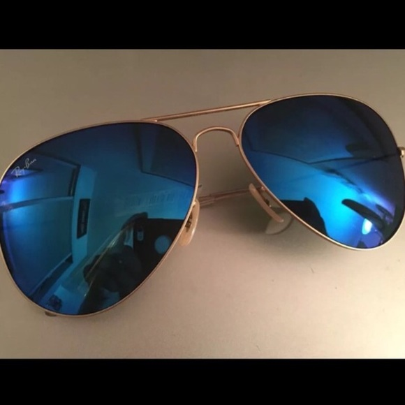 291c285272 Ray-Ban Aviator Sunglasses Blue Lens Gold Frame!