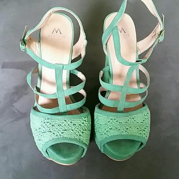 Shoe Dazzle Shoes - Seafoam green crotchet wedges