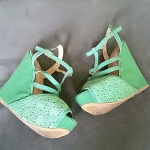 Shoe Dazzle Shoes - Seafoam green crotchet wedges