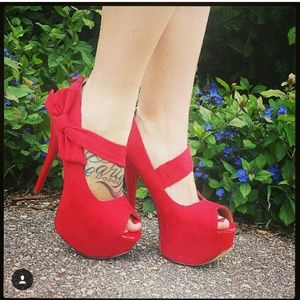 Shoes - Red bow heels