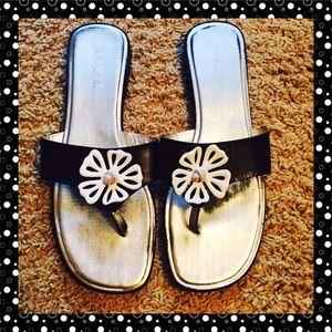 Unisa Shoes - 🌻Fun n Flirty leather sandals 🌻