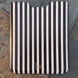 henri bendel Accessories - HENRI BENDEL Signature Stripe Tablet iPad Cover