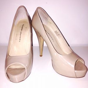 NUDE, PEEP-TOE PUMP BY CHINESE LAUNDRY