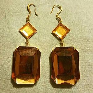 Jewelry - 💝Amber cut Dangle Earrings
