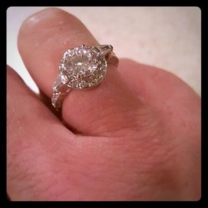 Jewelry - NWOT Gorgeous White Gold Plated CZ Ring!!!