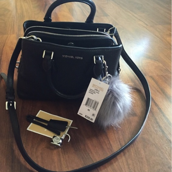 d62f868086a7 Michael kors Camille small leather bag. M_57451cbcea3f3606d001089b