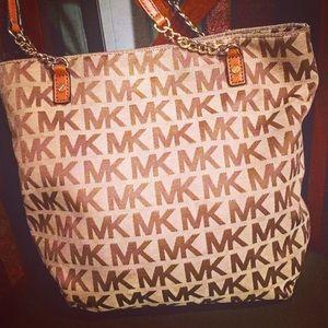 Michael kors authentic purse SALE