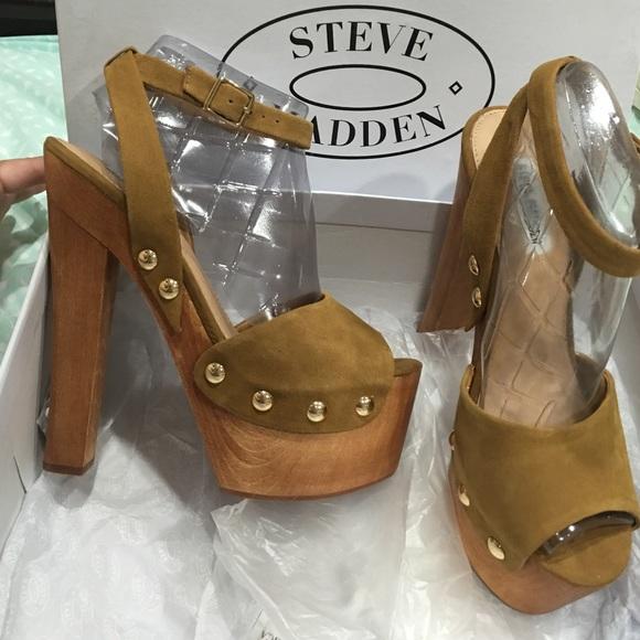 b523bcf290 Steve Madden Shoes | Tan Studded Platform Heels | Poshmark