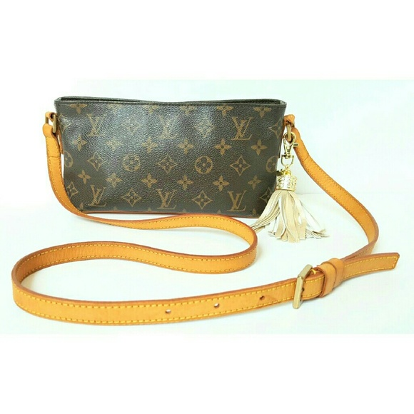 482a8659b002 Louis Vuitton Handbags - LOUIS VUITTON MONOGRAM TROTTEUR CROSSBODY BAG